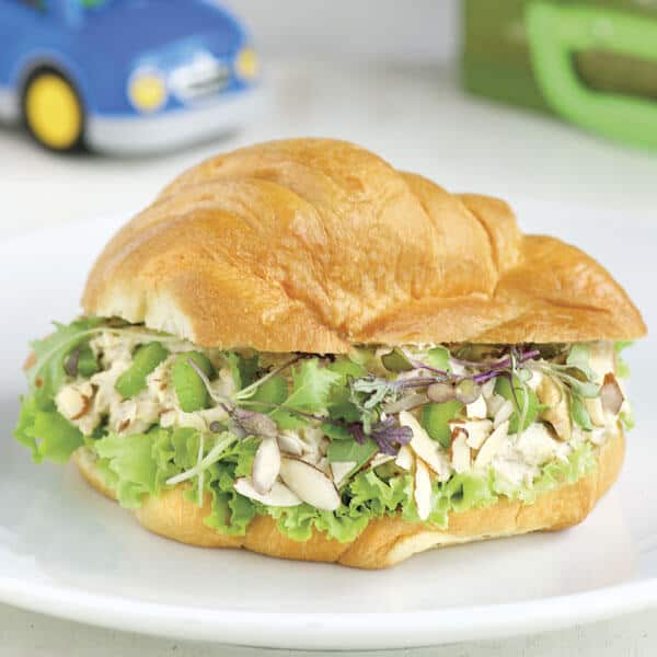 Croissant de pollo para los niños como merienda escolar