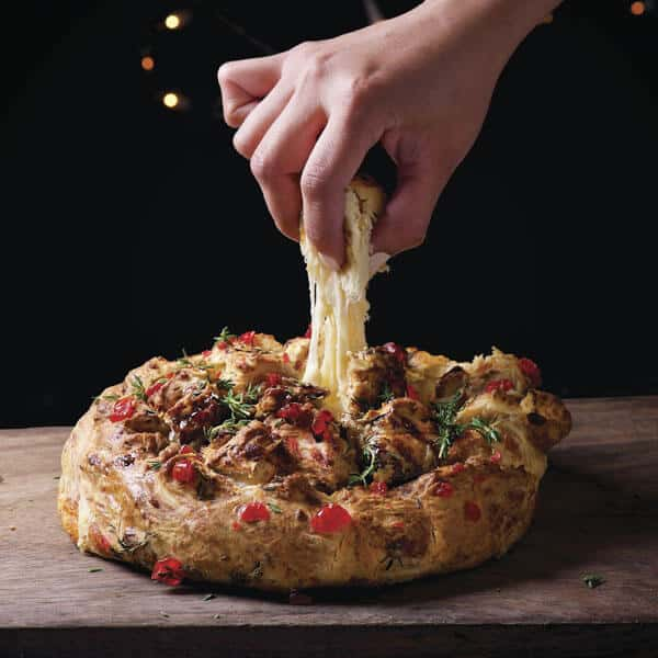 Pan con Queso Fundido para deleitar el apetito de postres