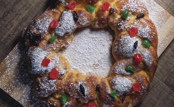 Rosca de Reyes para celebrar la llegada del año nuevo