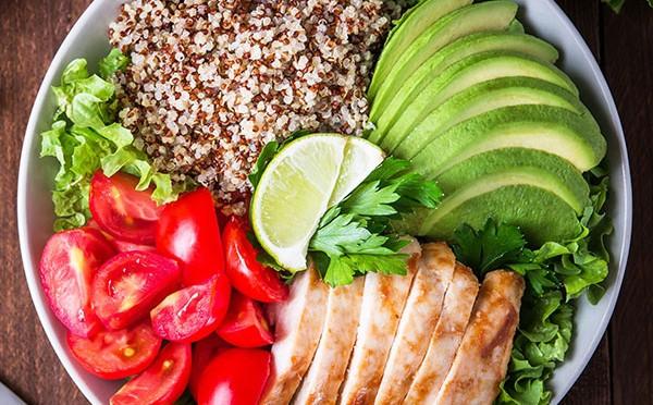 Quinoa mexi bowl un plato que sabe tan delicioso como se ve