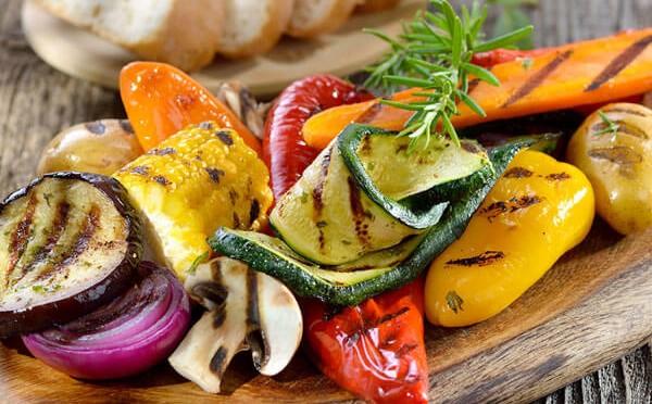 Verduras Asadas sin grasa en pincho acompañadas de pan