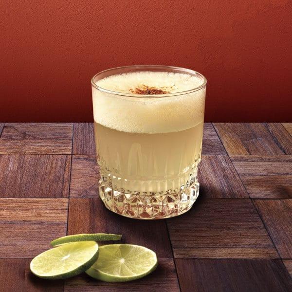 Pisco Sour una exquisita bebida peruana a base de zumo de limón