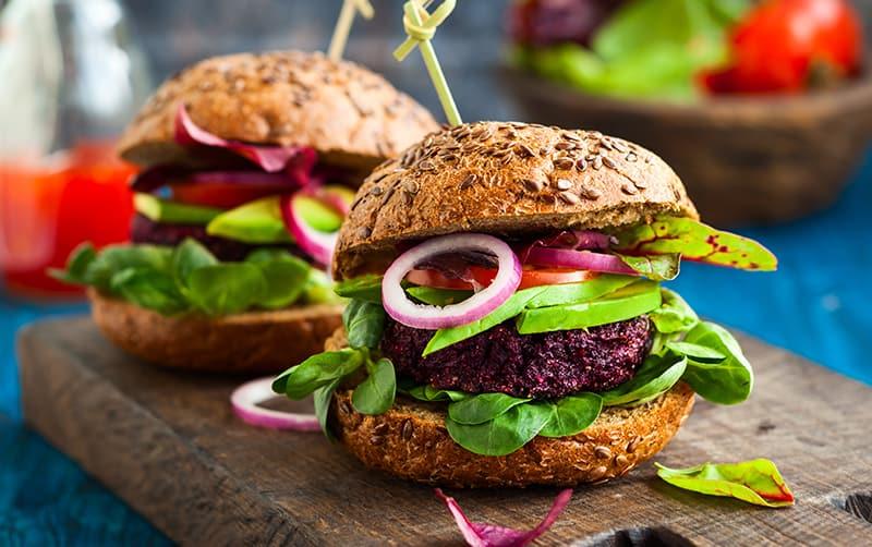 Alternativas saludables para una hamburguesa sin de carne Hamburguesa de quinoa