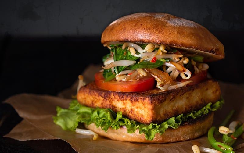 Alternativas saludables para una hamburguesa sin de carne Hamburguesa de soja