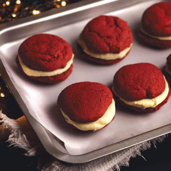 Red Velvet Whoopie Pies el postre navideño que no debe faltar en tu mesa